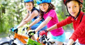 imagen de niños en bicicleta